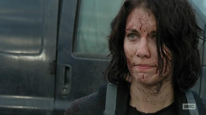 The Walking Dead 413 Maggie cubierta de sangre