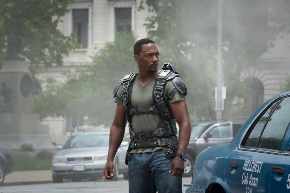Capitan América El Soldado de Invierno nueva película Marvel con Falcon El Halcón nuevo héroe