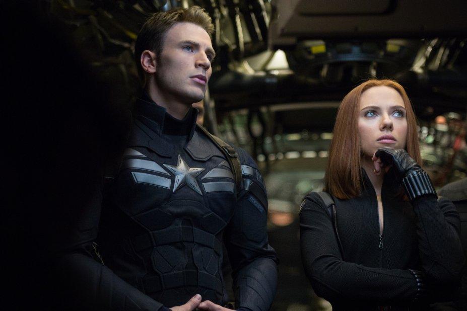 Capitán América El Soldado de Invierno película Marvel Vengadores con Natasha Romanoff La Viuda Negra Scarlett Johansson