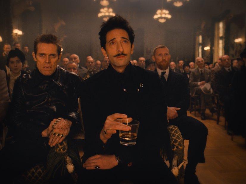 El Gran Hotel Budapest por Wes Anderson con Adrien Brody, Willem Dafoe, Jude Law